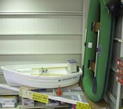 店舗内 展示ボート